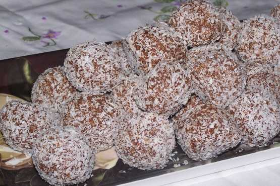 Simple Coconut Truffles