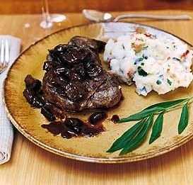 recipe: flank steak with mushroom ragout [16]