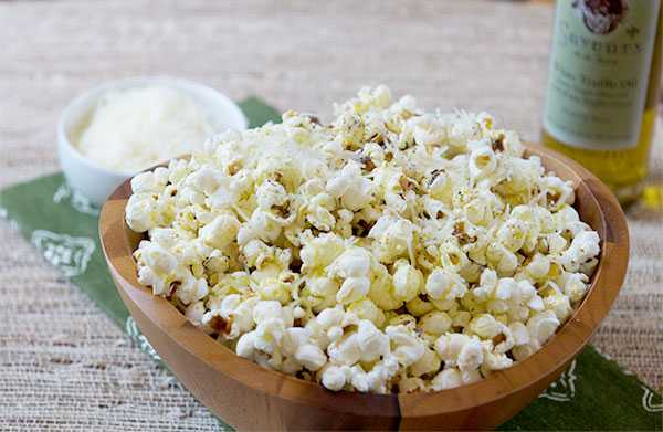 Simple Parmesan Popcorn